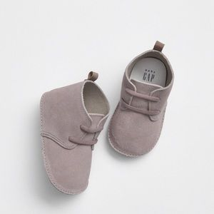 NWT. Baby Gap cow suede booties. 6-12 months